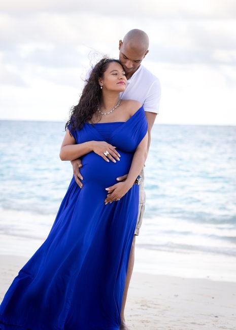 Maternity on the beach Hawaii