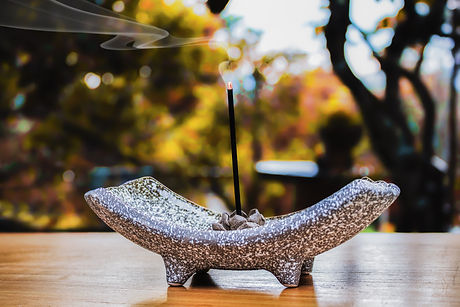 incense-2043115.jpg
