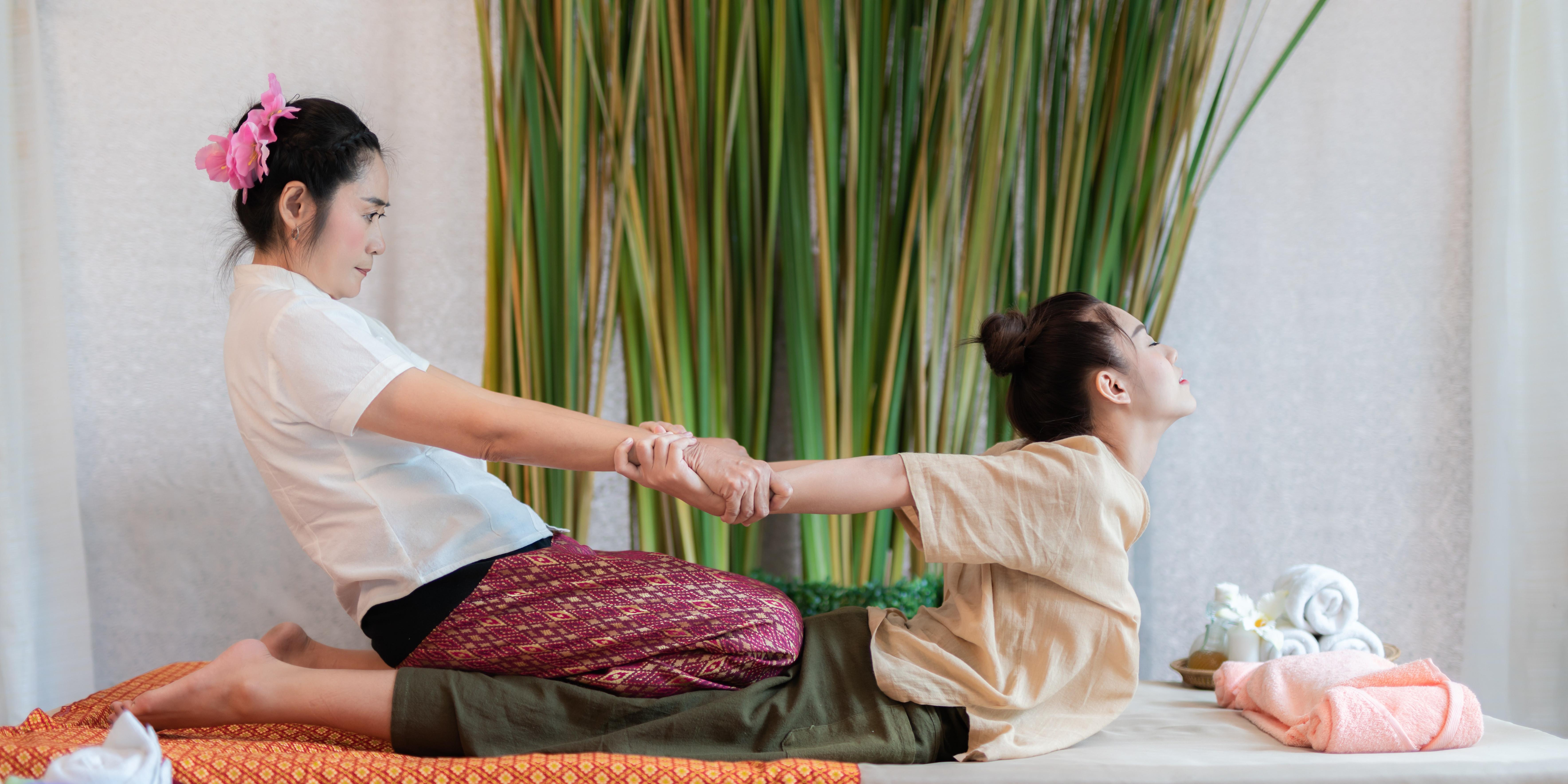 Traditaional Thai Massage (Yoga)