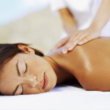 Eine Relax-Rückenmassage zum genießen und entspannen