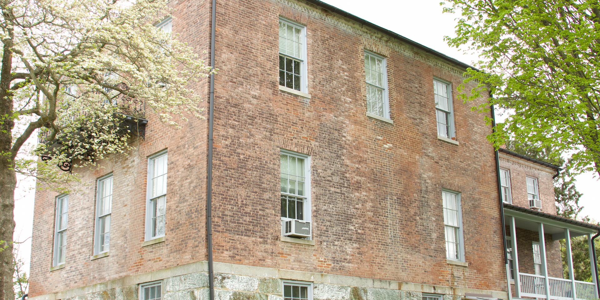 47. Brackett House   (Photo by G. Maurice Ballard)