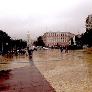 Công trường trước nhà thờ St. Michael, thủ đô Kyiv, Ukrainia