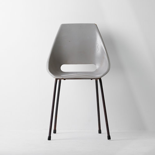 c-20s | Vintage Gray Shell Chair