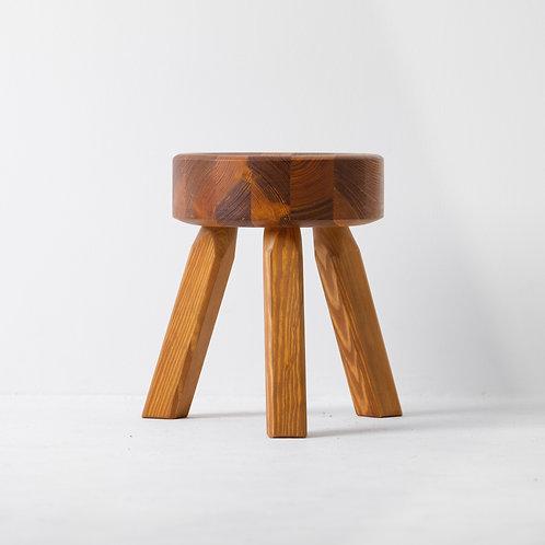 s-7s | FRAMA AML Stool Pine