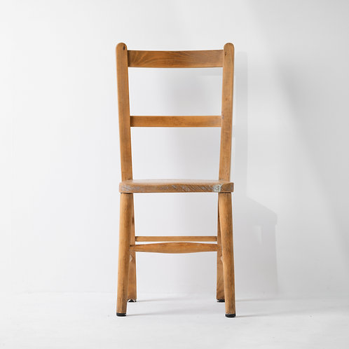 c-28v    Wood Chair Middle