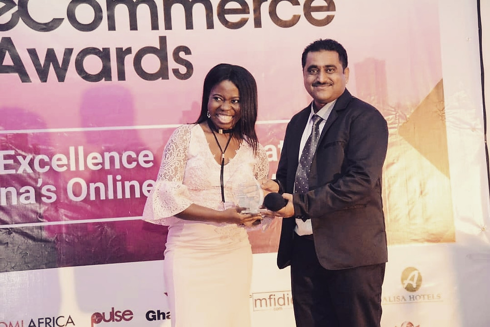 Esther Asante receiving award - Ghana eCommerce Awards 2018
