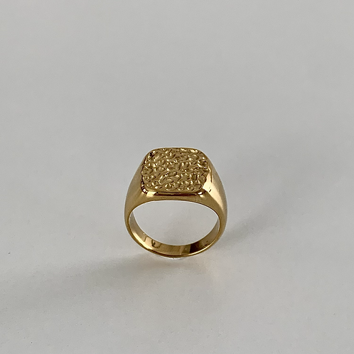 Roughty engrave signet ring