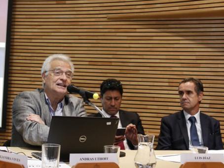 ¿Cómo son los adultos mayores que trabajan en Chile?