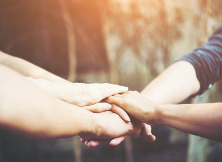 5 Consejos Para Cuidar de tu Familiar Adulto Mayor y No Morir en el Intento