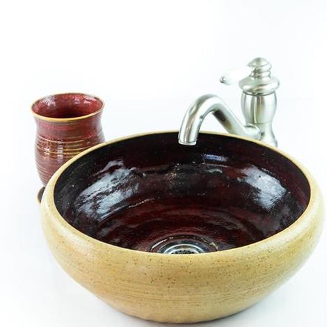 כיור קרמיקה בצבע אדום וקרם, כיור בעבודת יד