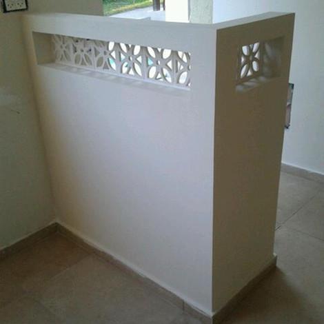 משרביה בצבע לבן מקרמיקה, לעיצוב קירות ויצירת מחיצות