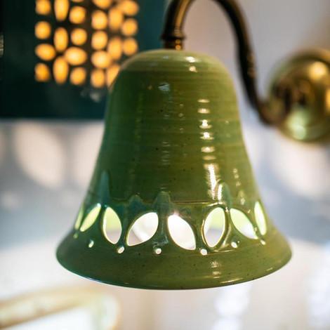 גוף תאורה מקרמיקה, אהיל מנורה ירוק זית, מקרמיקה עבודת יד