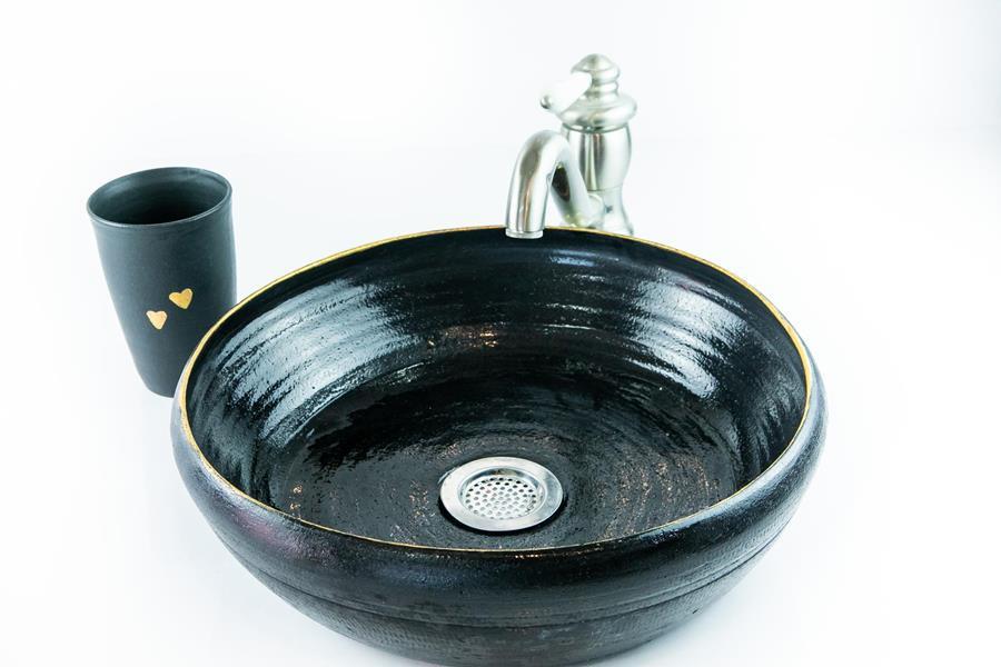 כיור קרמיקה בצבע שחור, כיור בעבודת יד
