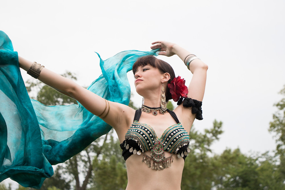 Columbia Missouri photograph of a belly dancer | KatFour Photo