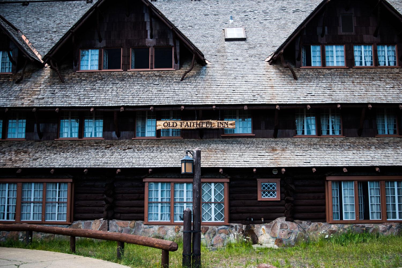 Old-Faithful-Inn