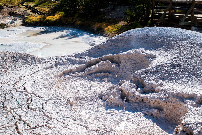 Mud-Pit-Yellowstone