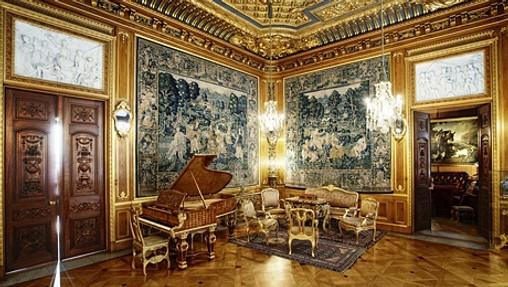 Vackert piano och inredning
