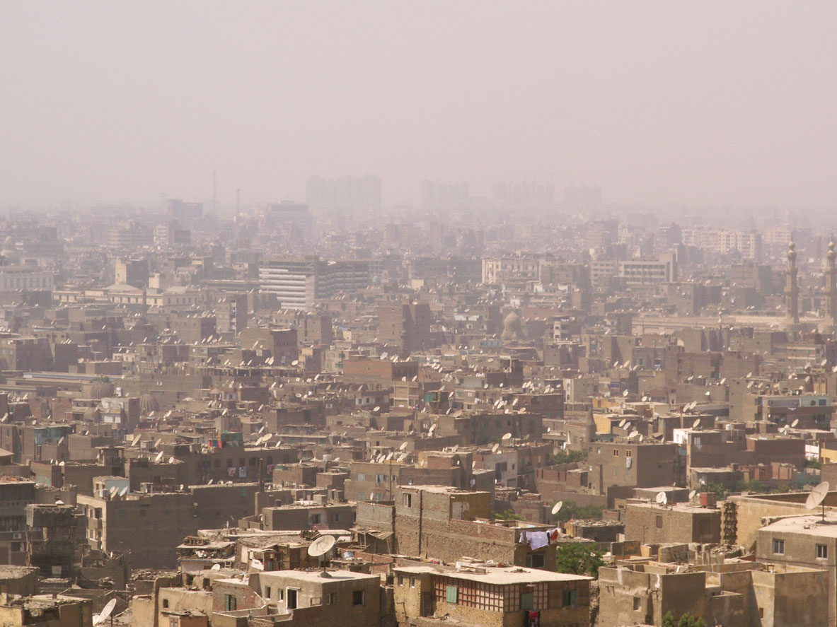 Cairo_in_smog-Wikipedia royalty free.jpg