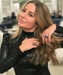 Ünlü moda tasarımcısı; Pnina Tornei