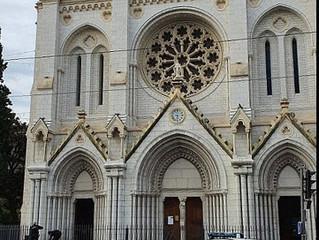 Fransa'da bir bazilikadaki bıçaklı saldırıda üç kişi öldürüldü