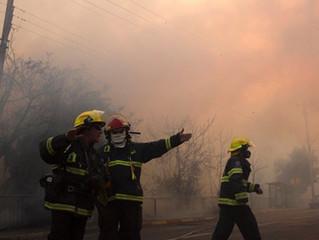 İsrael'de yangın nedeniyle yüzlerce kişi tahliye edildi