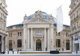 Paris'e  yeni müze  eski emtia borsası binasında açıldı..