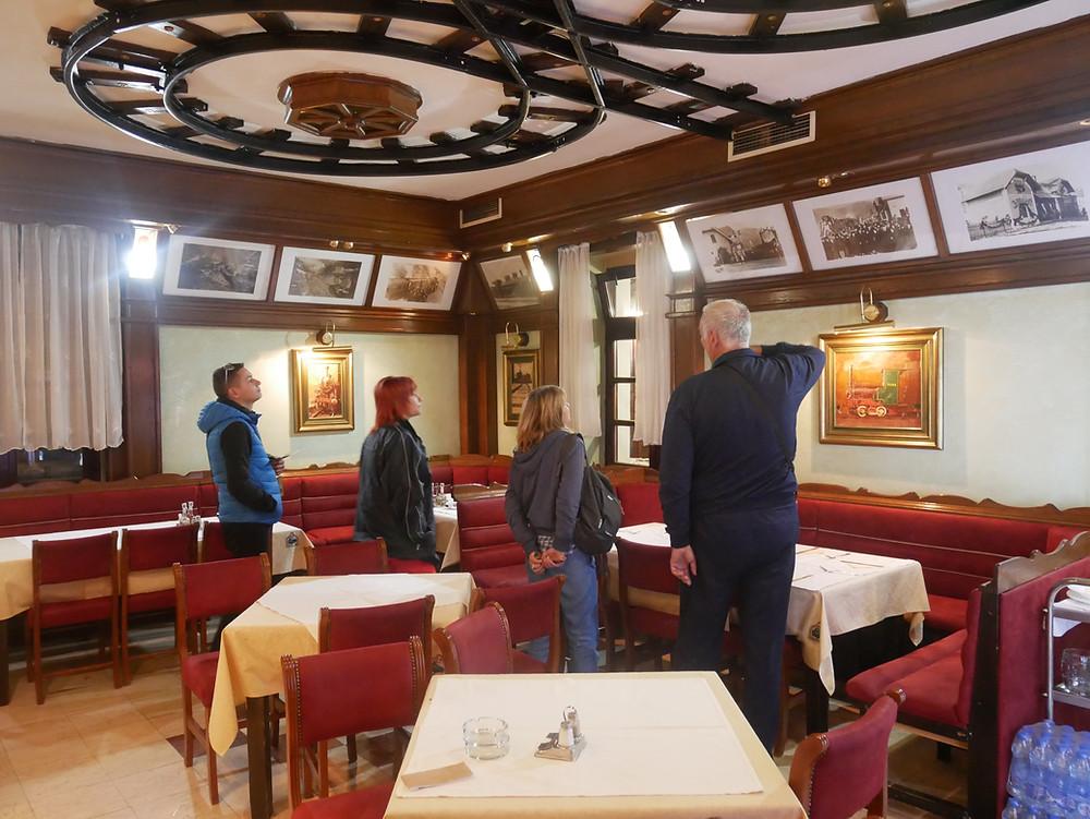 Ресторантът на гара Мóкра гóра
