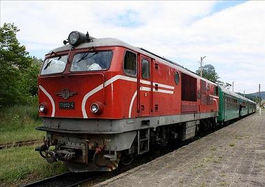77 002 локомотив серия дизелов теснолинейка септември добринище бдж