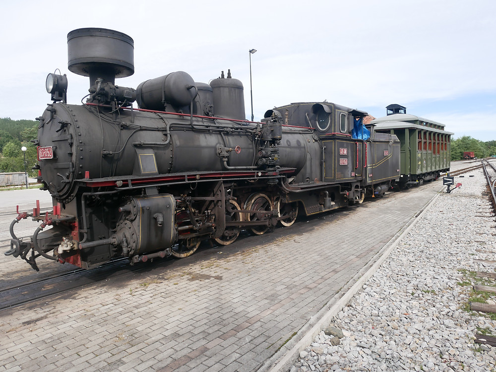 Един от парните локомотиви