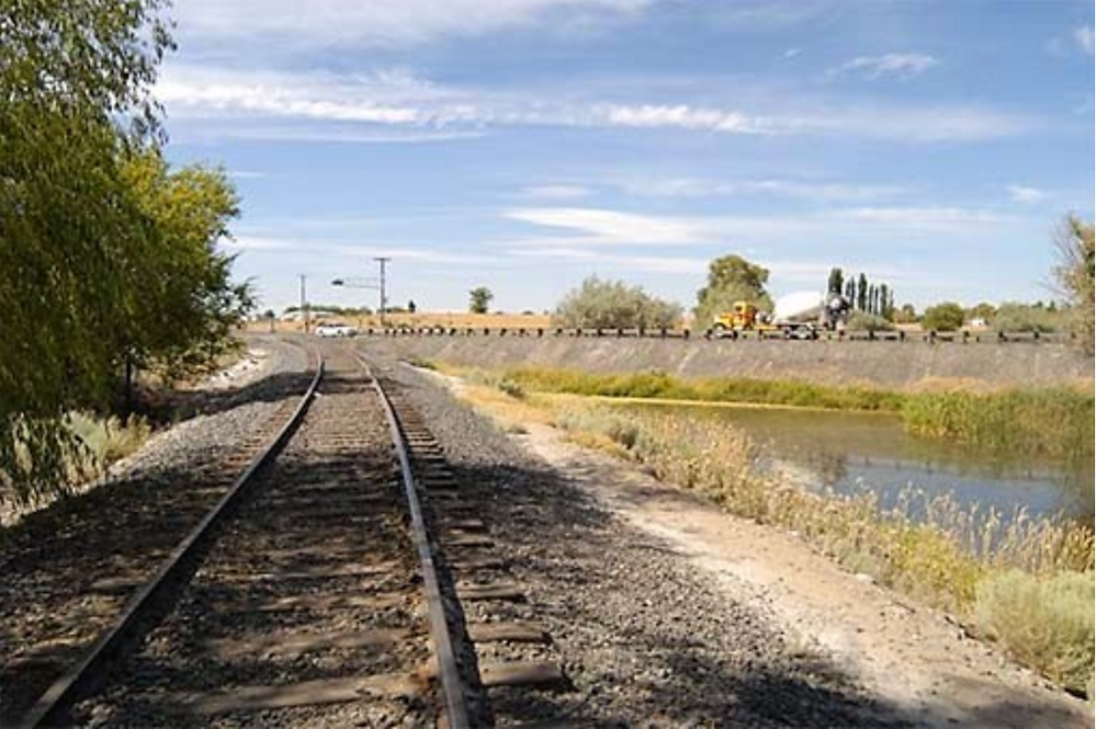 The existing rail line follows a circuitous route between Wheeler and downtown Moses Lake. This section of rail is located next to State Route 17 at Parker Horn, in downtown Moses Lake.