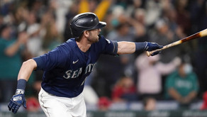 Haniger keeps M's playoff hopes alive with rally vs Angles