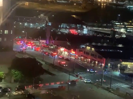11 rescued after boat capsizes in Seattle's Elliot Bay