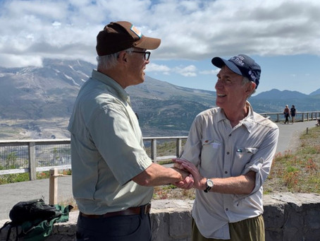 """Inslee makes Bill Nye """"The Science Guy"""" Washingtonian of the day during hike at Mt. St. Helens"""