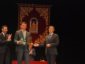 Salarte recibe una Bandera de Andalucía