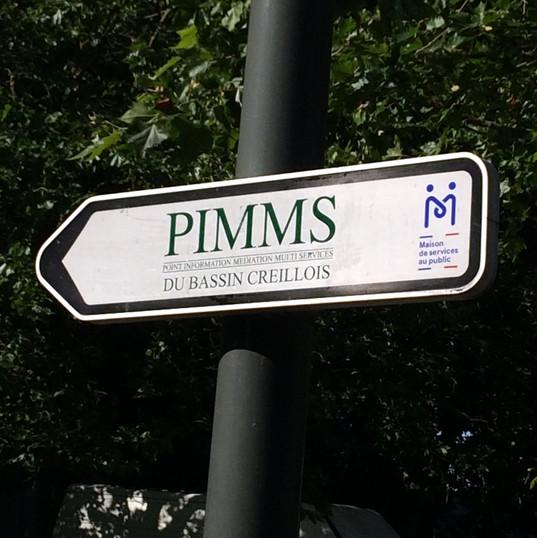 Le panneau de signalisation indiquant le PIMMS, 25 avenue Saint-Exupéry