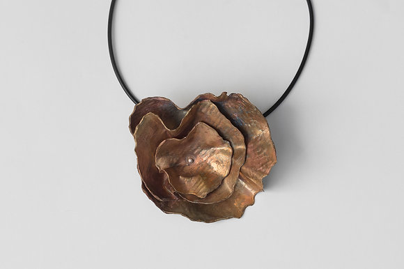 Large Flower Necklace 1