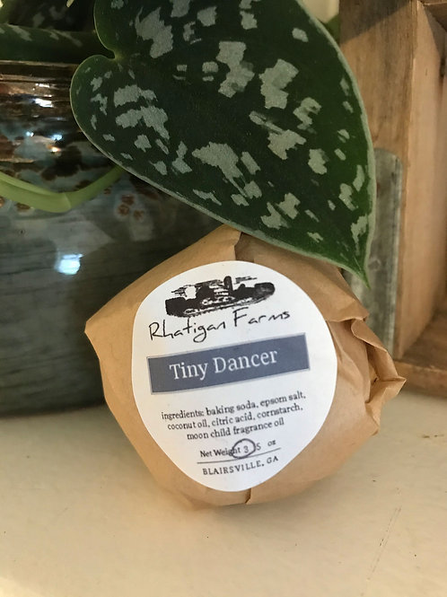 Tiny Dancer Bath Bomb