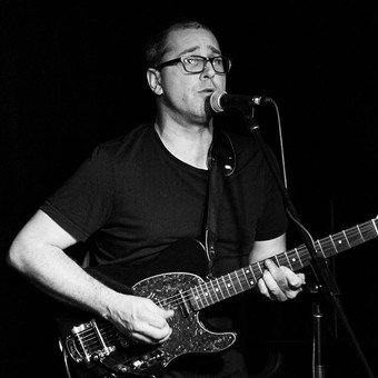 Martin Tremblay, guitar, voix. #TheSlowi