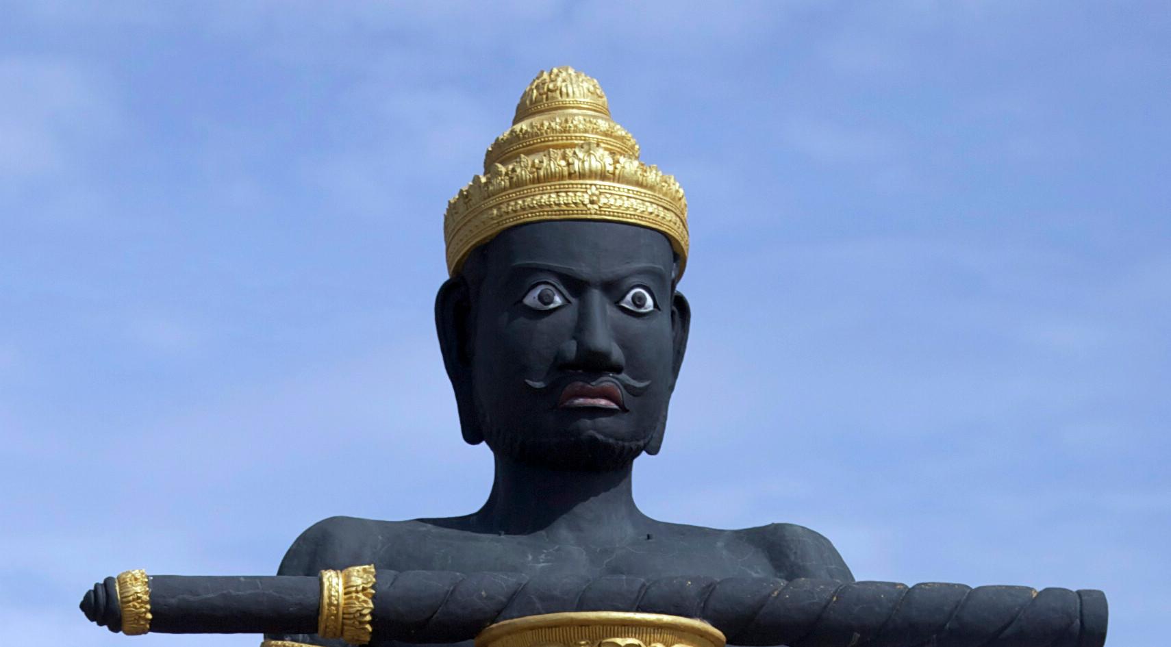 Battmabang statue