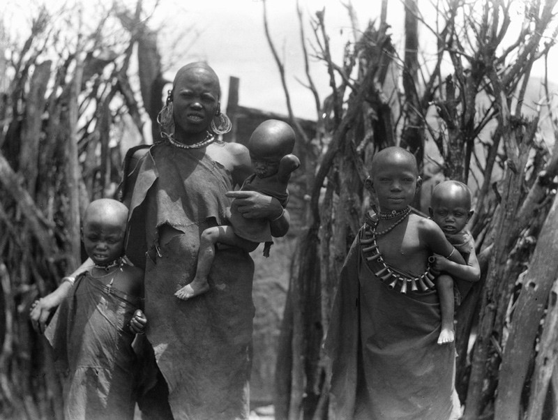 Woman with children. Arusha, 1936.