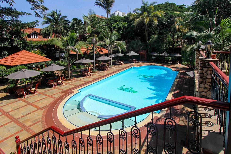 02-fairview-hotel-nairobi-pool-980.jpg