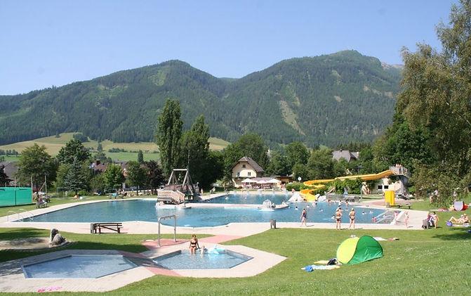 Ferienhaus-Schwimmbad-Mauterndorf