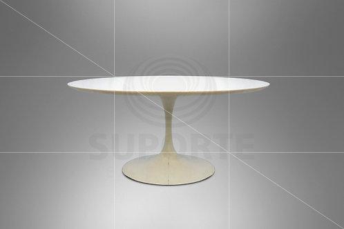 Mesa Branca Saarinen Oval (Tamanhos: 1,40 x 0,89 ou 1,80 x 1,01)