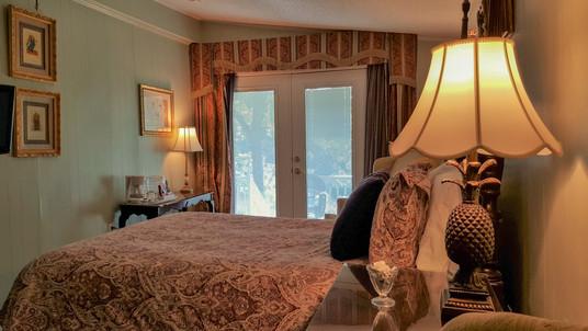 John Reavls guest room