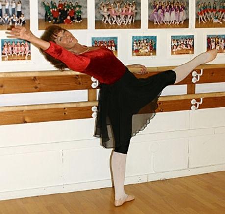 Liz Balettskola, Liz Helgoson
