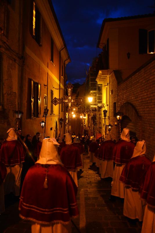 pino-giannini-processione-04