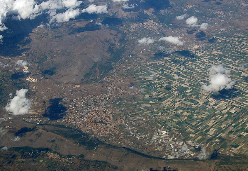 6 - Fucine_Plain_-Aerial_photographs-_2010-by-RaBoe-69