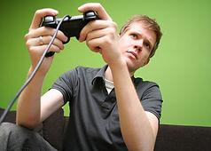 video-game-addict_40362172.jpg