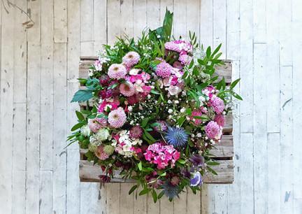Début Mars / Grand bouquet sur cagette en bois