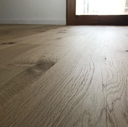 Loba 2k Invisible Protect on Solid 130x19 French Oak.jpg
